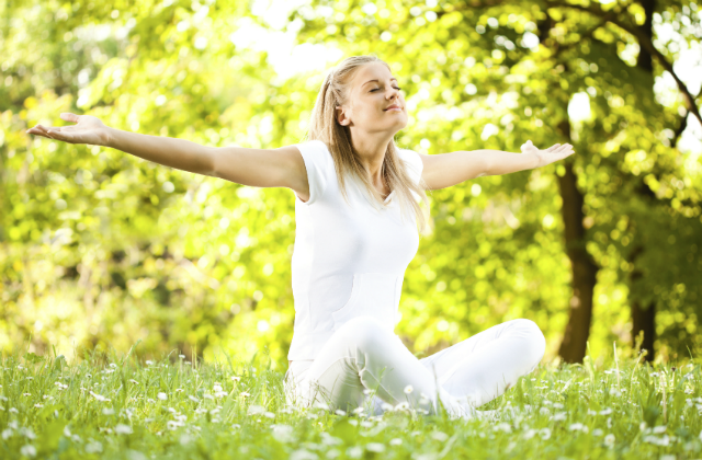 happy_woman meditating