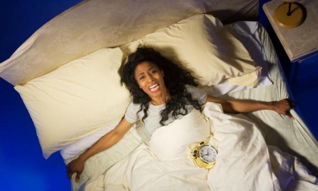 woman-bed-clock