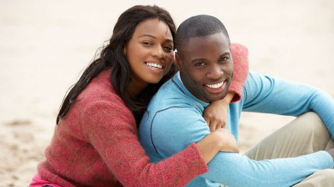 black-couple-hugging-date-16x91