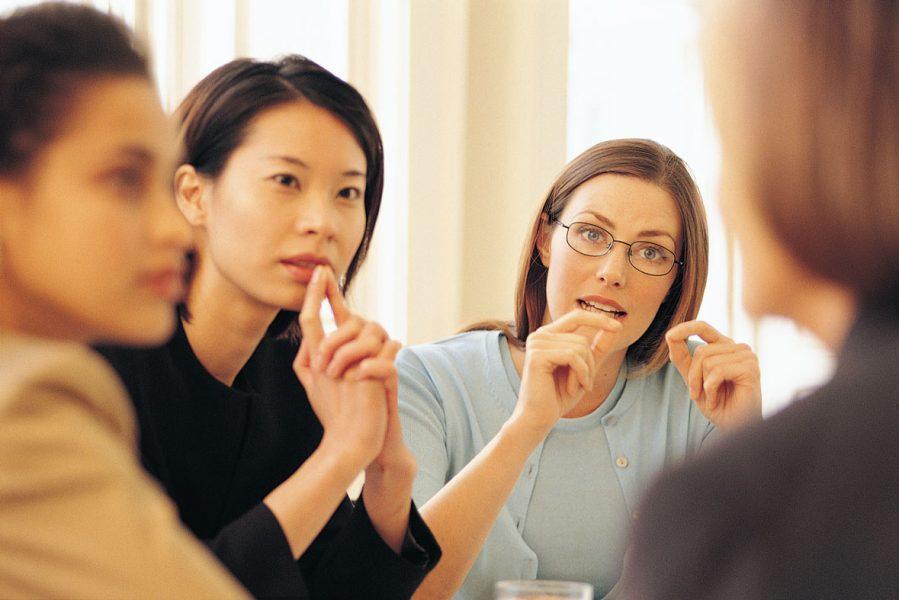 women-discussing-jesus