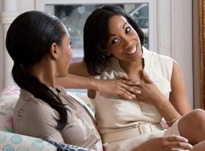 women-talking-couch-friends_400x295_86