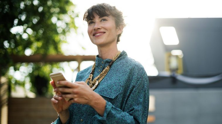 4 Ways Your Phone Might Be Hurting Your Walk With Christ